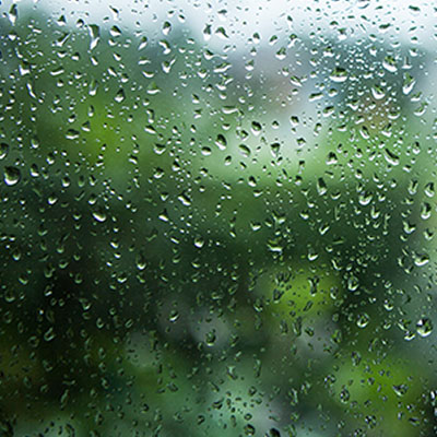 5 things to do in monsoons to keep your skin glowing