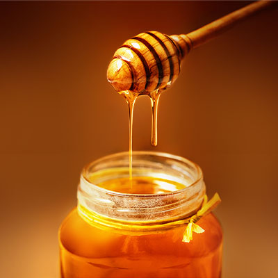 Let Your Skin Glow during winters with Honey